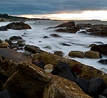 Sundown at  Somerset Beach, NW Coast Tasmania by Kristi Robertson