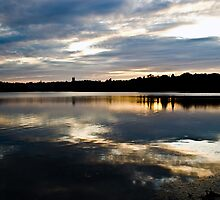 Sky reflection by LudaNayvelt