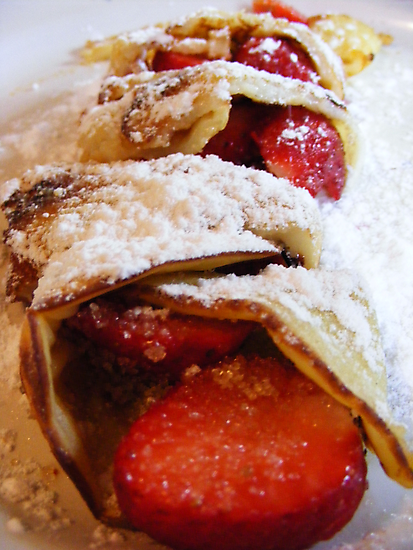 Strawberrie pancakes by Esther's Art and Photography