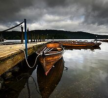 Changing weather on Windermere by eddiej