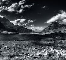 Mountainscape in b&w by Roberto Pagani