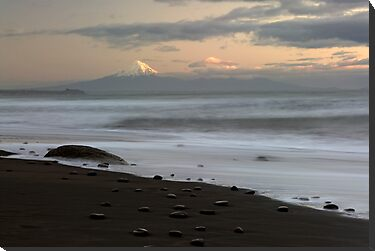 Mt Taranaki. by Michael Treloar