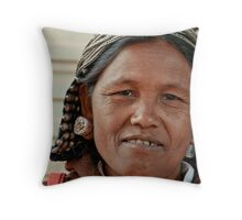 Wa Lady 1 Throw Pillow