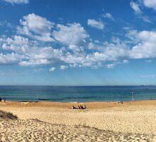 Nobbys beach, Newcastle by RedMonkey Photography