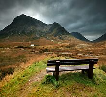 Scotland : A bench with a view by Angie Latham