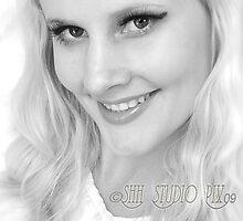 Blonde Gl'Amor by Shevaun Steffens