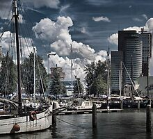 Old port at Rotterdam by cocoon
