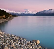 Mt Cook, Sunrise. by Michael Treloar