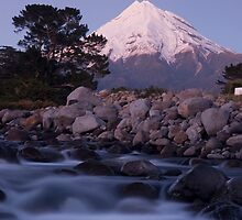 Mount Taranaki at night by Paul Mercer