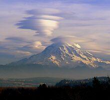 Top spin on Mt. Rainier  by Hiroshi  Maeshiro