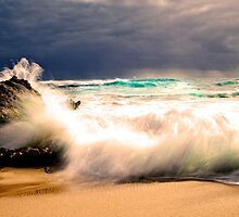 Trigg Beach Wave - Perth by Ben Reynolds