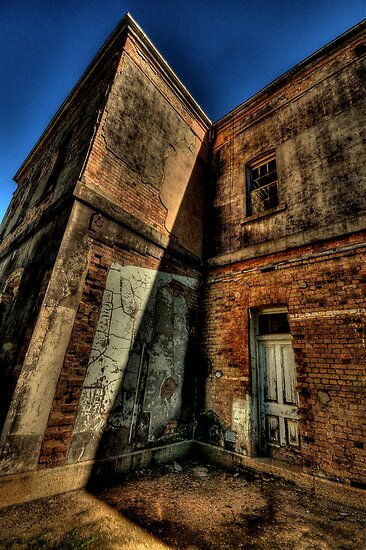 Misery and Shadows - Beechworth Lunatic Asylum - The HDR Experience by Philip Johnson