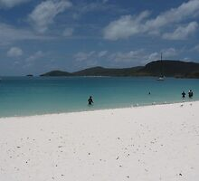 Whitehaven Beach by notromak
