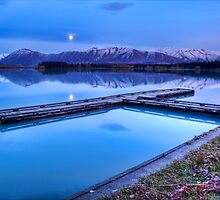 Lake Ruataniwha Pre-dawn by Tony Burton