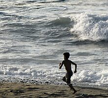 running by the sea by pkagia