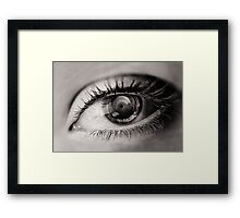 the eye as a lens Framed Print