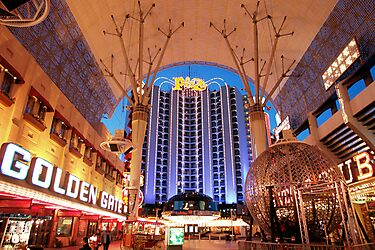 Viva Las Vegas! by worldtripper