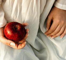 Apple by Elvira Leone
