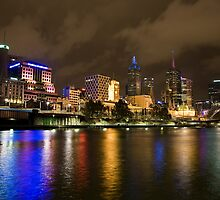 River Yarra at night by ianwoolcock