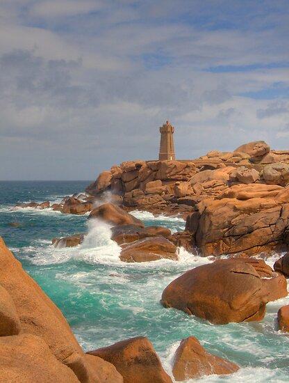 Ploumanac'h Lighthouse by Bob Culshaw