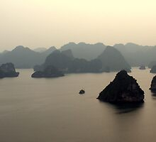 Island Maze - Ha Long Bay, Vietnam by timstathers
