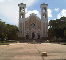 Rio Piedras church by Elias Santiago