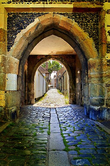 Archway in Sandwich by Geoff Carpenter