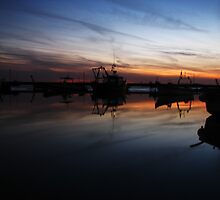 Sunset on the jetty, West Mersea by Alice Kent