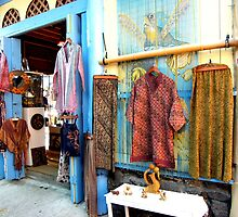 Catching the shops in Lahaina..... by DonnaMoore
