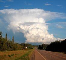 Rising thundercloud by zumi