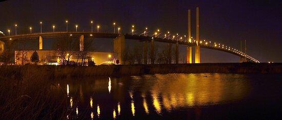 Panorama of the QE II Bridge at night by Terry Senior