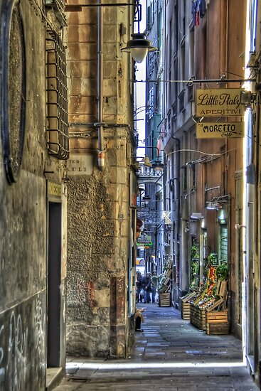 alley of genoa by oreundici