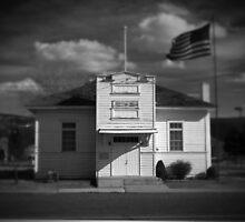 Old White House by snapshotjunkie