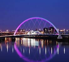 Squinty bridge over the Clyde - the full circle ! by clara  caulfield