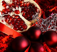 Christmas Pomegranate by Bruno Reis