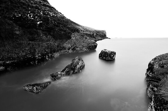 Kings Rocks Mono by Garth Smith