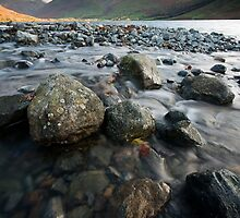 TOWARDS SCAFELL by STEVE  BOOTE
