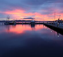 Hobart, Sunrise by Jenni Tanner