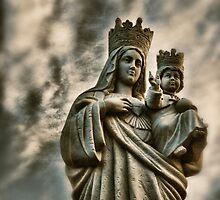 La Madonna con Gesù bambino di Ognina by Andrea Rapisarda