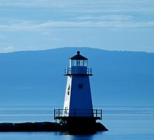 Breakwater Lighthouse North - Burlington, VT by PASpencer