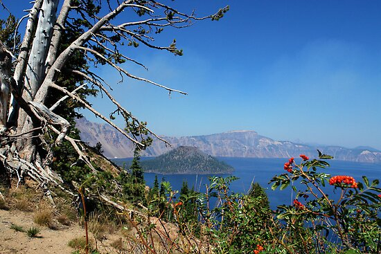 Crater Lake, Oregon by worldtripper