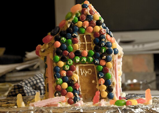 gingerbread house by Alihogg