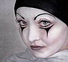 Pierrot's Little Sister by hannahelizabeth
