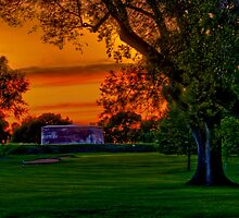 Niagara-on-the-Lake Golf Course by (Tallow) Dave  Van de Laar