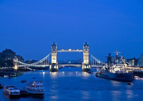 Tower Bridge by Mario Curcio