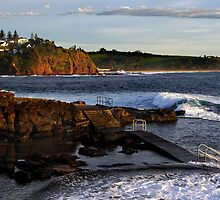 Kiama Rock Pool by Darren Stones