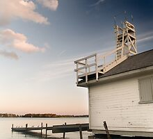 Lifeguard house at the Torontos beaches , Canada by alopezc72