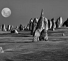 Pinnacles Moon by Ian English