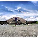 Mexico. Teotihuacan. Piramide de la Luna. by josemazcona