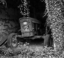 An old tractor in monochrome by johnny2sheds